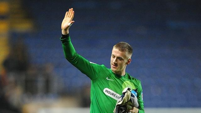 League Two - Bentley pens new Shrimpers deal