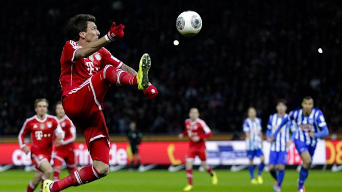 City beats United; Bayern clinches Bundesliga