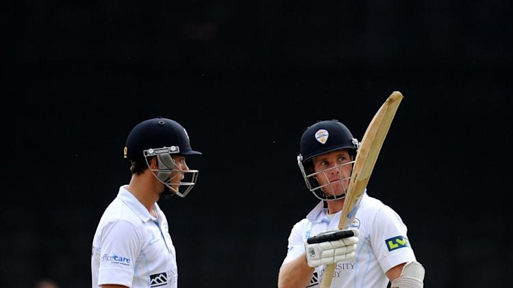 Cricket - LV County Championship Division One - Day Three - Derbyshire v Middlesex - The County Ground