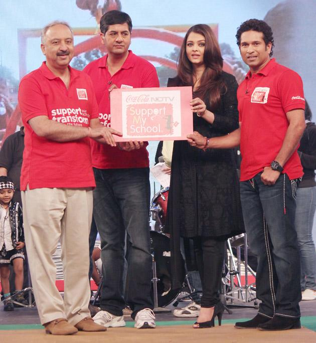 Spotted: Sachin, Aishwarya and Kajol