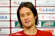 Czech national team captain Tomas Rosicky resumed full training after struggling with a calf injury boosting his side as they prepare for the Euro 2012 opener against Russia on June 8, Czech media said