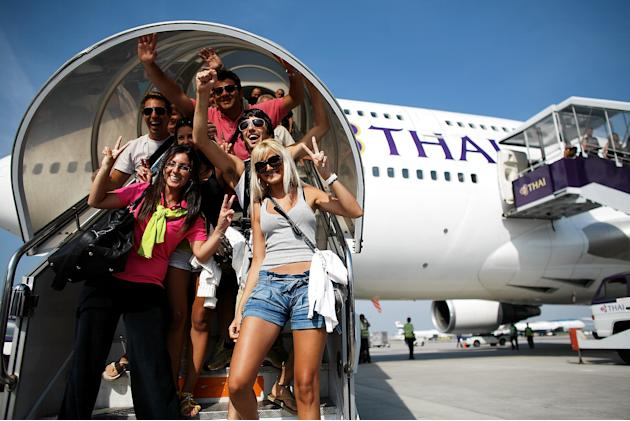 First International Flight Leaves Thailand After Thai Government Dissol