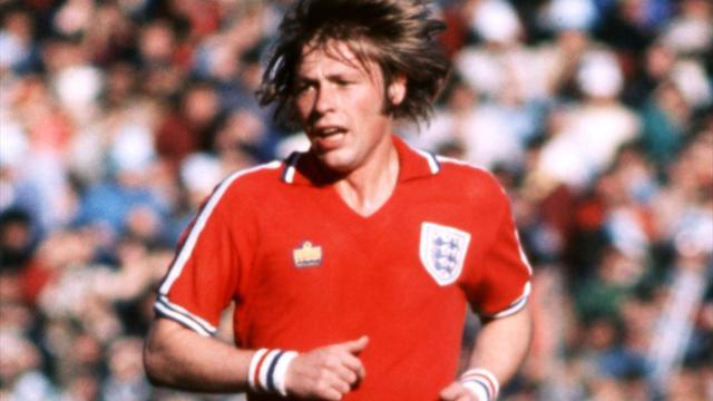 Football - Man United FA Cup winner Greenhoff dies