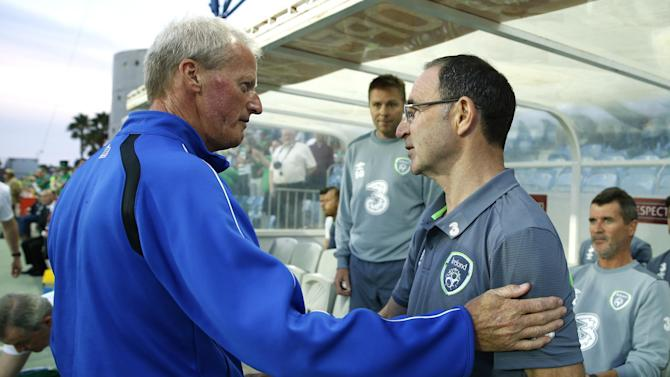 Gibraltar coach Jeff Wood and Republic of Ireland manager Martin O'Neill before the match