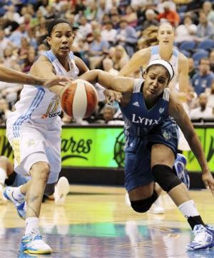 Whalen lifts Lynx past Sky 79-67