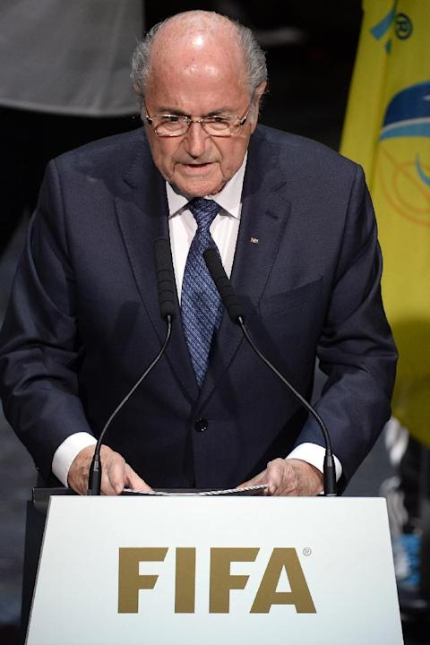 FIFA President Blatter asks to be re-elected despite crisis