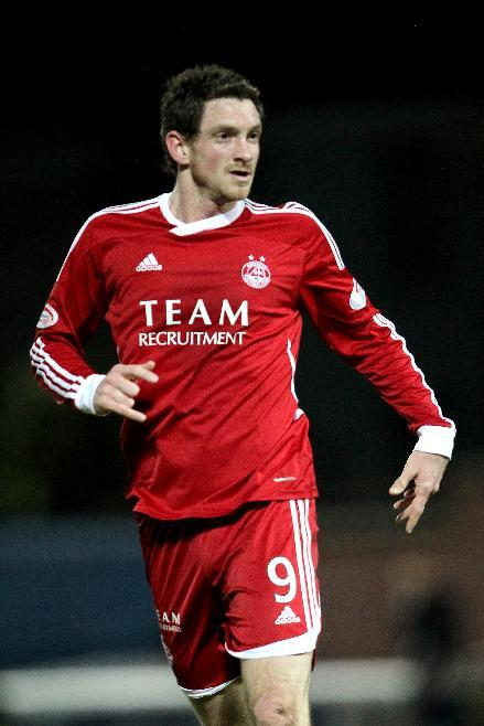 Scott Vernon snatched a last-gasp winner for Aberdeen