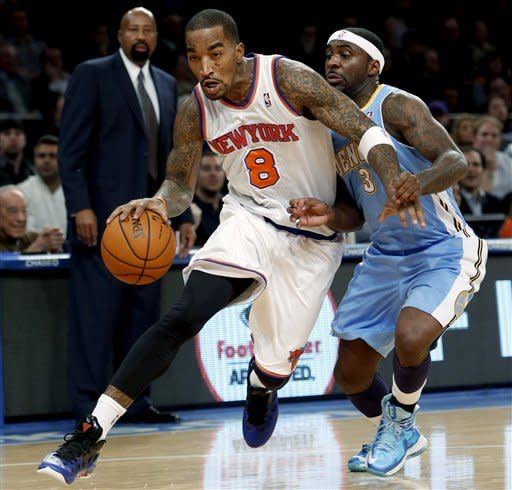 Anthony returns with 34, Knicks beat Nuggets