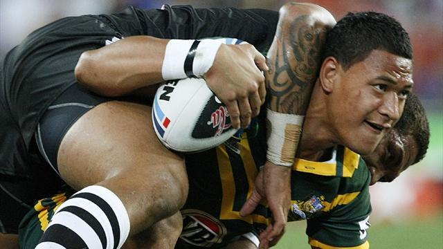 Super Rugby - Code-hopper Folau re-signs with rugby union