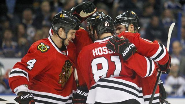 Ice Hockey - Blackhawks leave it late to down Predators