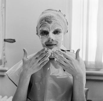 Allure Editors' 26 Best Beauty Hacks Ever