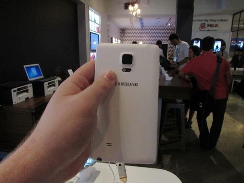 Back of Samsung Galaxy Note Edge