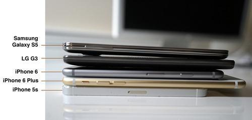 Thickness comparison of iPhones and phones from LG and Samsung
