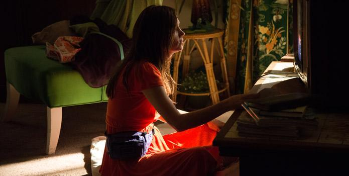 Toronto Report: Kristen Wiig Throws an Unhinged TV Party in 'Welcome to Me'