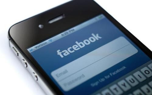 How to Stop the Facebook App from Draining Your iPhone's Battery