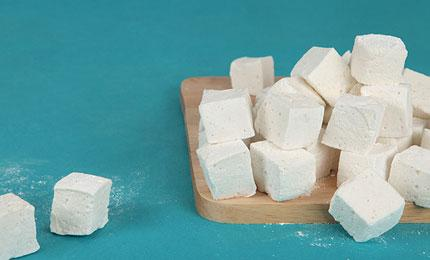 Homemade Marshmallows Are Winter's Saving Grace