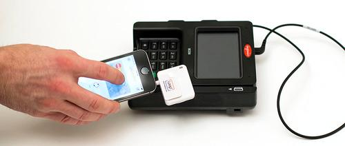 Loop Payment Fob Lets You Swipe Your Phone Instead of a Credit Card