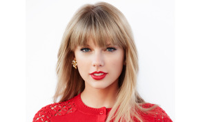 3 Brilliant Personal Branders – And What They Are Teaching You Today image taylor swift presenting jpg 300x177