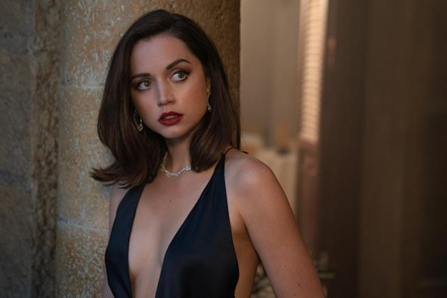 Ana de Armas en Sin tiempo para morir (Nicole Dove; © 2019 DANJAQ, LLC AND MGM. ALL RIGHTS RESERVED.)