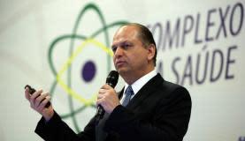 Brasília - O ministro da Saúde, Ricardo Barros, participa da 15 Reunião do Grupo Executivo do Complexo Industrial da Saúde e anuncia parceria em medicina nuclear (José Cruz/Agência Brasil)