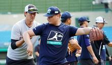 中職》中國信託專業投手營第二階段開跑 職棒球星也來取經
