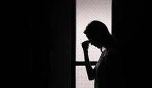 【Yahoo論壇/呂建和】姐妹情劃下了句點,姐妹們抱著骨灰罈痛哭!