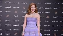金馬星光/潔西卡雀絲坦擔任壓軸 淡紫色透膚裙擺美翻