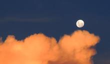 中秋節還沒想好做什麼?不如看看這4部與月亮有關的電影