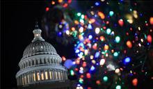 美國會通過短期預算案 暫解聯邦關門窘境