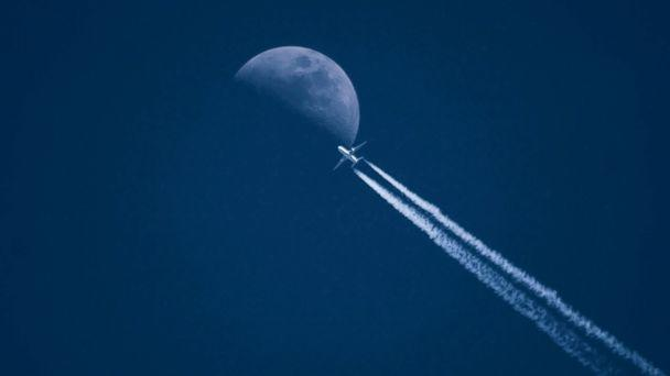 PHOTO: An undated stock photo of an airplane. (STOCK/Getty Images)