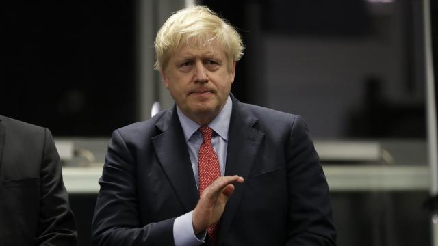 Boris Johnson freut sich über das Ergebnis.