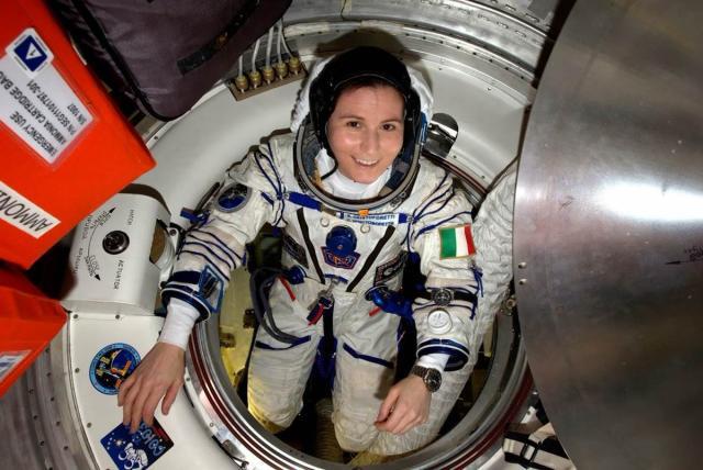 La astronauta Samantha Cristoforetti ha manifestado en numerosas ocasiones su deseo de formar parte de un programa lunar | imagen Samantha Cristoforetti Twitter