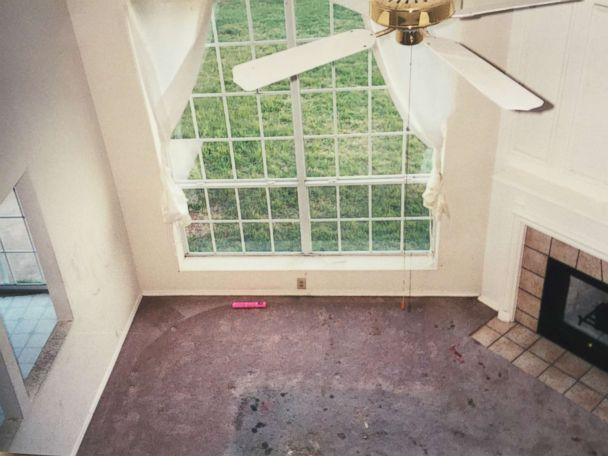 PHOTO: The current owner of the Fort Worth home where the Turpins lived with their now-adult children shows a filthy interior when they bought it 18 years ago. (Obtained by ABC News)