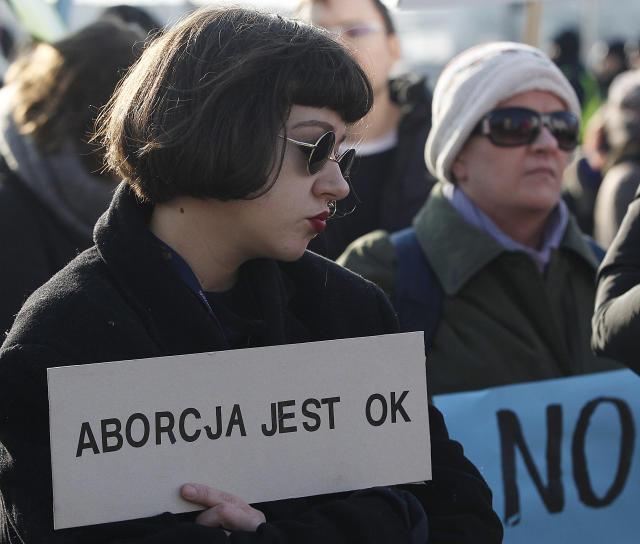 Marcha de mujeres en Polonia (AP).