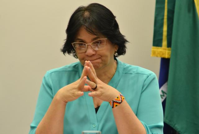 达马雷斯大臣召开了新闻发布会,在记者面前,他保持沉默。 (照片:Renato Costa / FramePhoto / Folhapress)