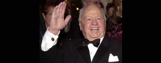 Legendary actor Mickey Rooney dies at 93 (AP)