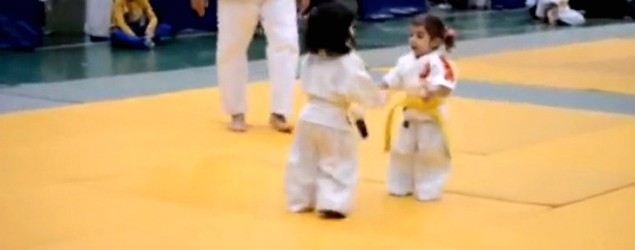 3-year-old girls' entertaining judo match (Storyful)