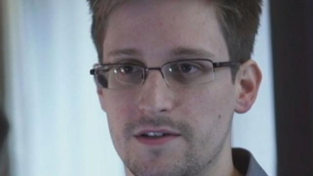 Edward Snowden Claims to Be NSA Leaker