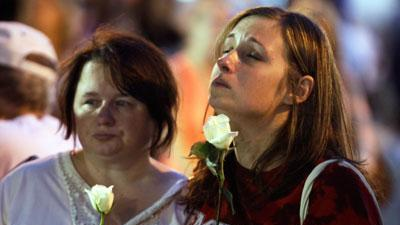 Raw Video: Indiana stage collapse remembered