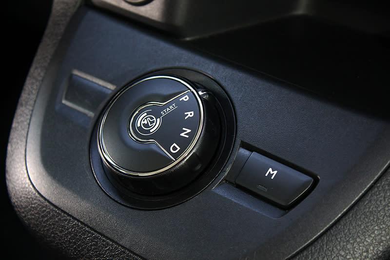 柴油引擎配上六速手自排變速系統,因此換得超過15km/L以上之優異油耗表現。