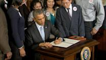Obama Signs Executive Order to Raise Minimum Wage in New Federal Contracts