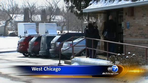 West Chicago teachers strike, canceling classes in District 33