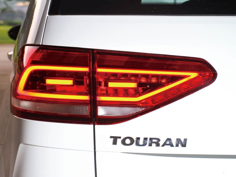 內含LED的尾燈組,使印象中呆板笨重的MPV車型附有科技時尚的身影。