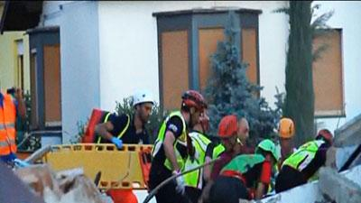 Raw Video: Quake victim rescued in Italy