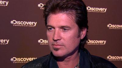 Billy Ray Cyrus 'Gives Back' In 'Homecoming'