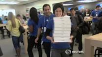 Fans inhale Apple's iPad Air