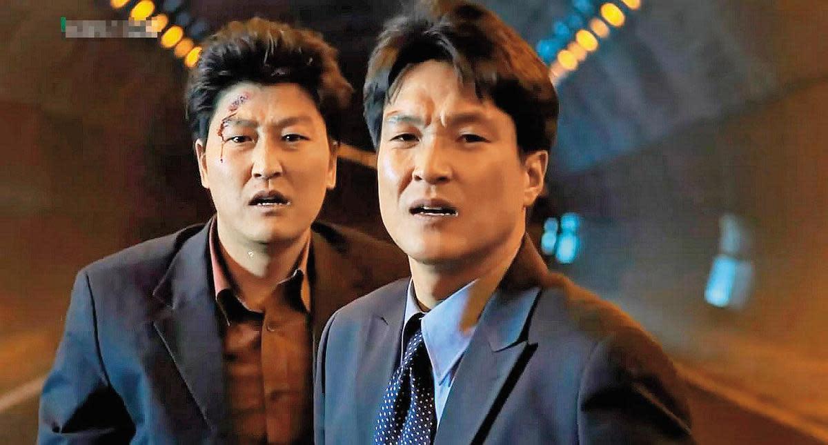 姜帝圭以自編自導的電影《魚》,在商業與藝術取得成功,促使韓國企業投入大量資金振興本土電影。(翻攝自Daum網站)