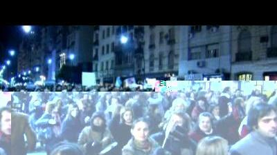 Thousands protest against Argentine president