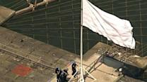 Police Looking For 5 People Who May Have Breeched Security and Taken Flags From Brooklyn Bridge
