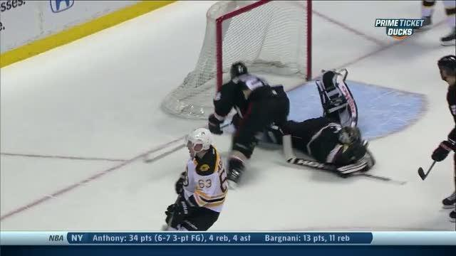 Jonas Hiller robs Marchand with the glove